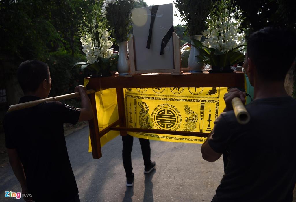 Dam tang day hoa trang cua be trai lop 1 truong Gateway hinh anh 9