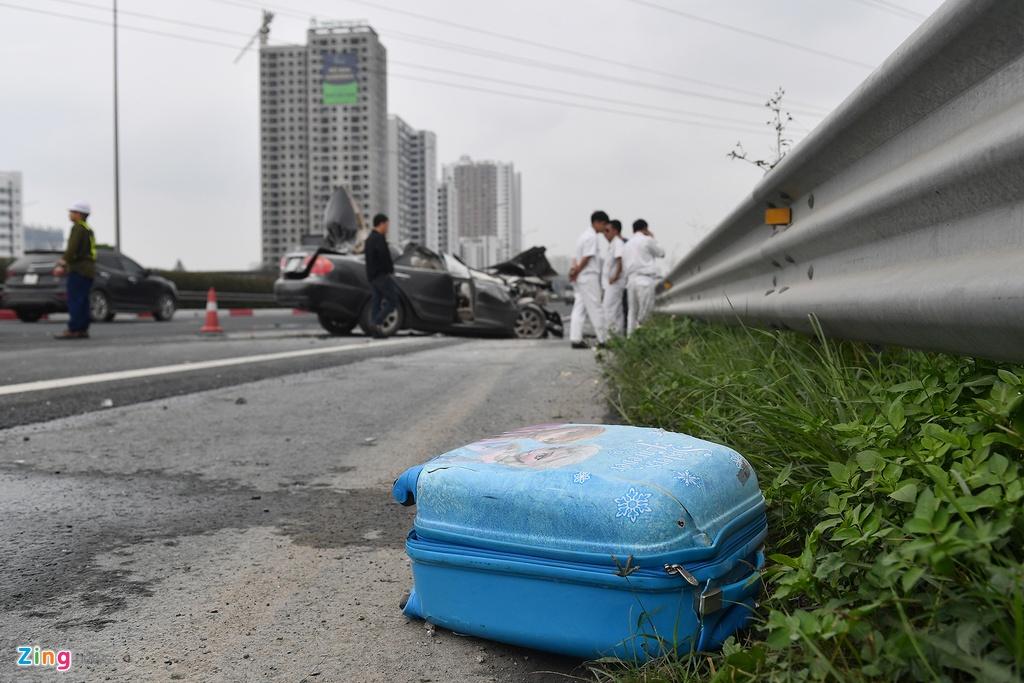 Tai xe thoat chet, chiec Toyota Camry vo nat sau khi tong xe tai hinh anh 6 tai_nan_zing_6_.jpg