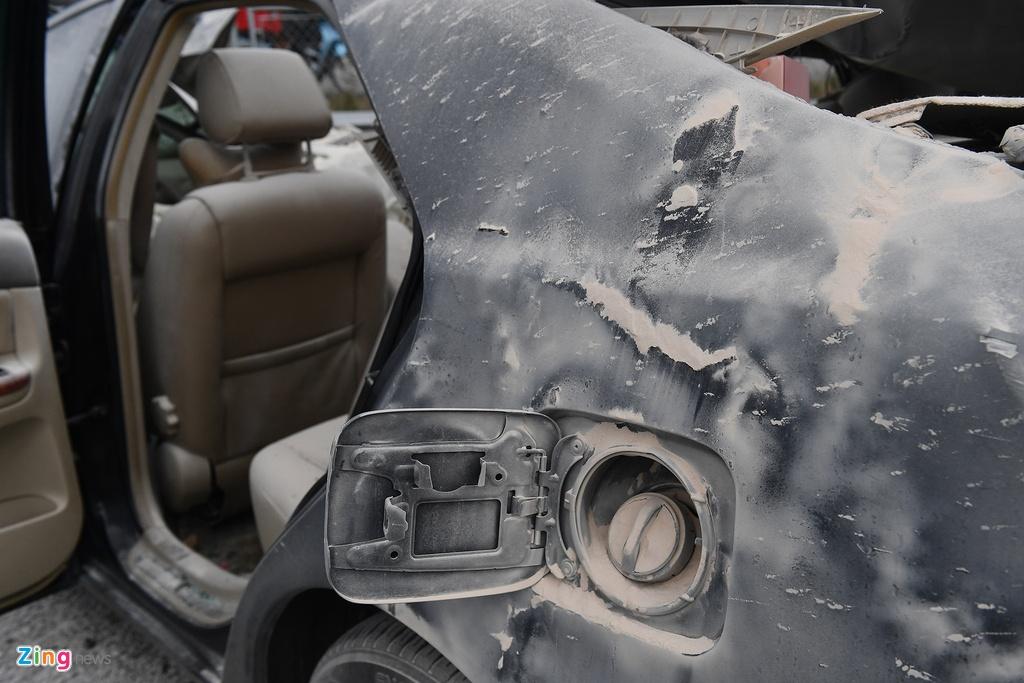 Tai xe thoat chet, chiec Toyota Camry vo nat sau khi tong xe tai hinh anh 7 tai_nan_zing_7_.jpg