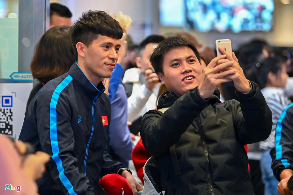 U23 Viet Nam duoc nguoi ham mo chao don sau that bai hinh anh 2 2_zing.jpg