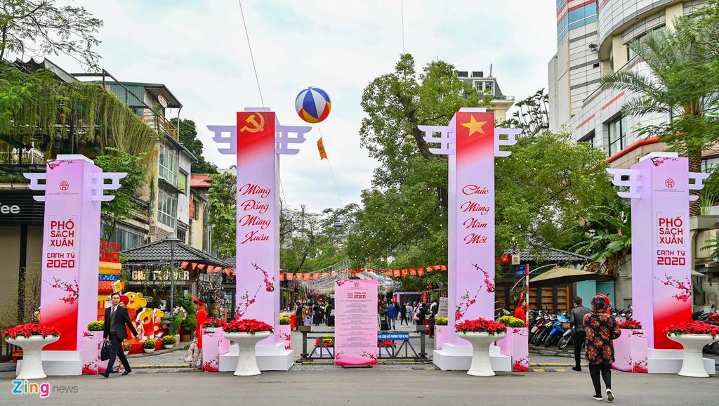 В Ханое открылась новогодняя книжная улица 2020