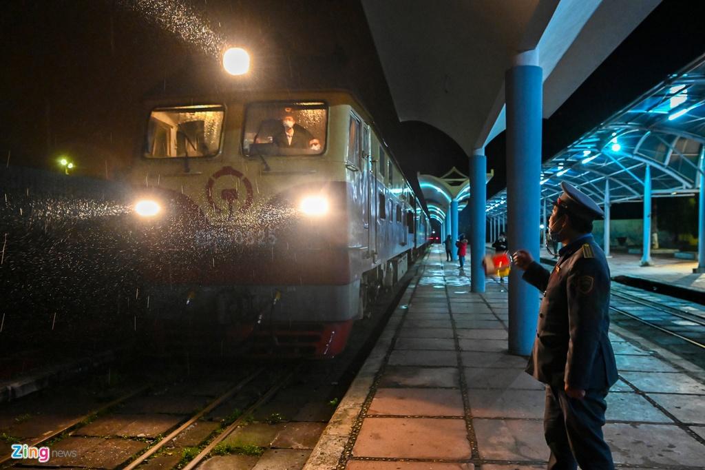 Chuyến tàu liên vận Việt – Trung với 2 hành khách
