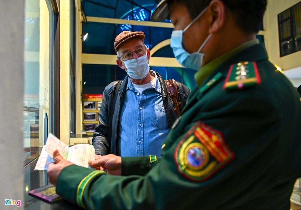 Chuyen tau lien van Viet - Trung voi 2 hanh khach hinh anh 3 3_zing.jpg