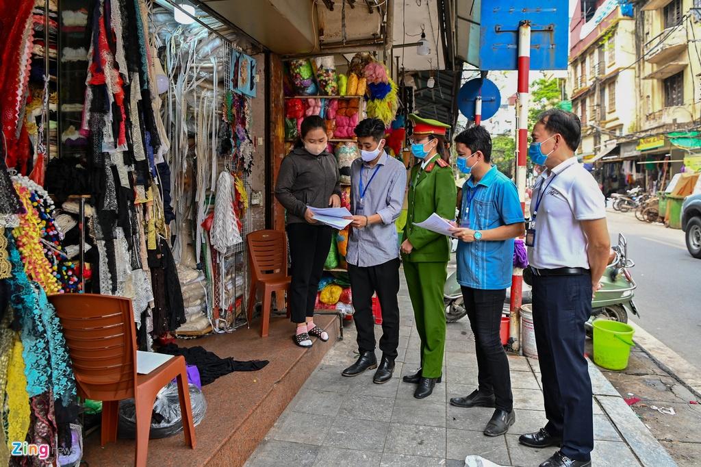Pho phuong Ha Noi sau lenh dong cua quan xa, nha hang hinh anh 10 phovang10_zing.jpg