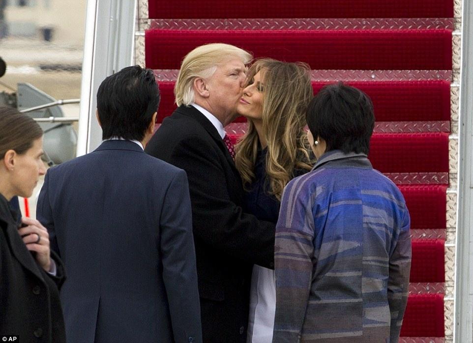 Cuoi tuan thanh thoi cua ong Trump va thu tuong Nhat hinh anh 2