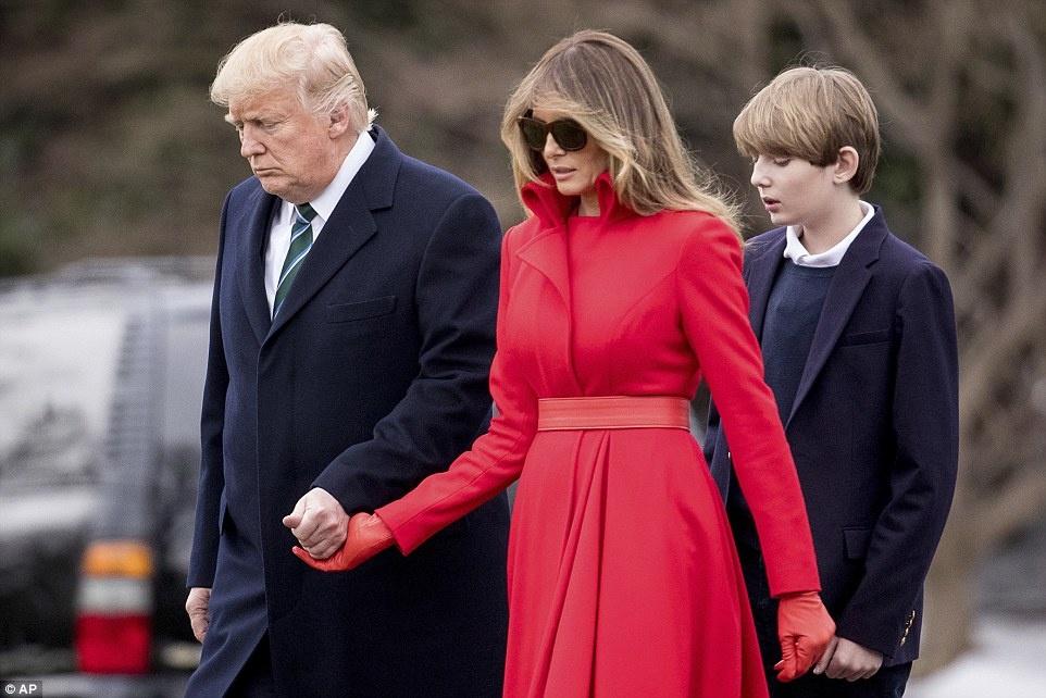 Barron Trump banh bao trong lan dau tien xuat hien tai Nha Trang hinh anh 3