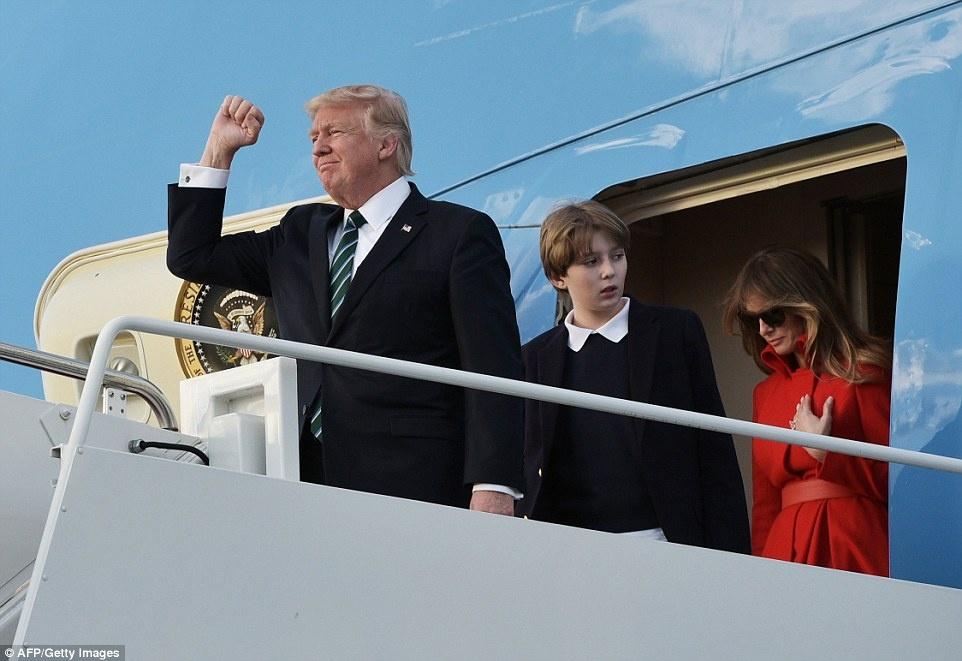 Barron Trump banh bao trong lan dau tien xuat hien tai Nha Trang hinh anh 5