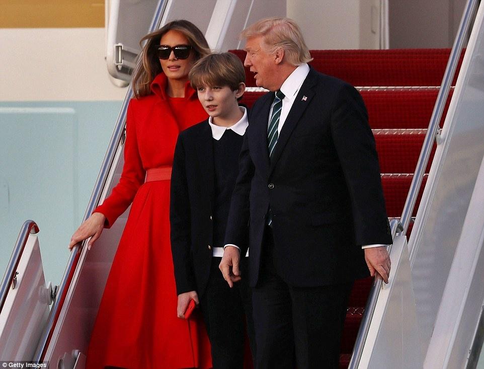 Barron Trump banh bao trong lan dau tien xuat hien tai Nha Trang hinh anh 7