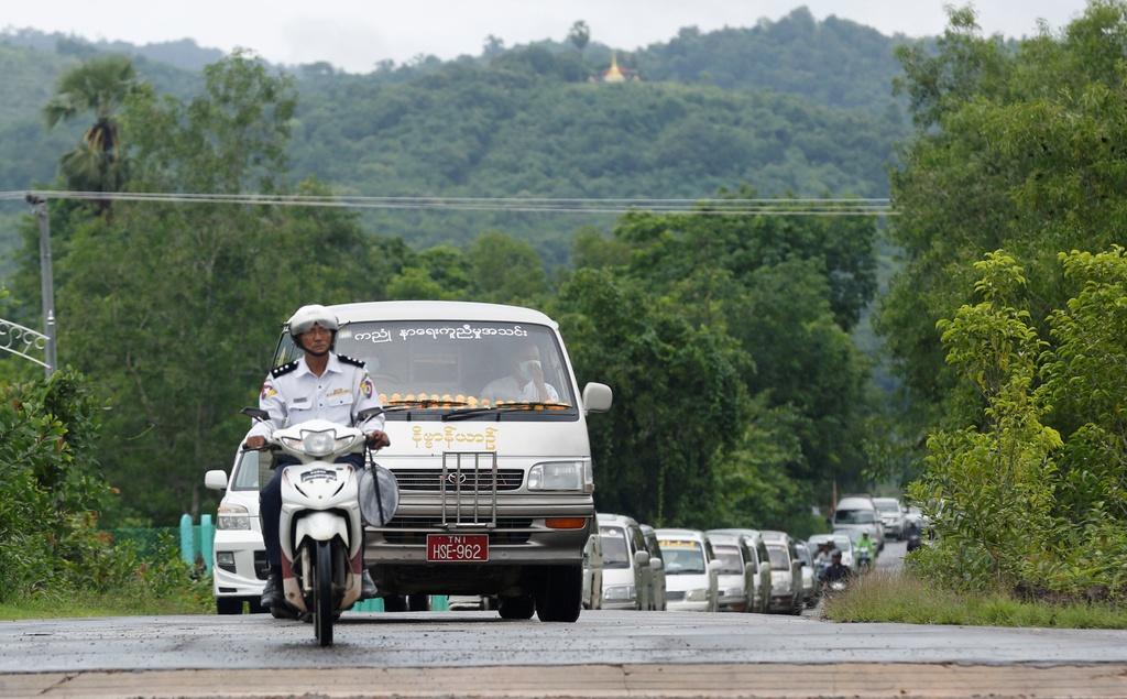dam tang nan nhan roi may bay Myanmar anh 1