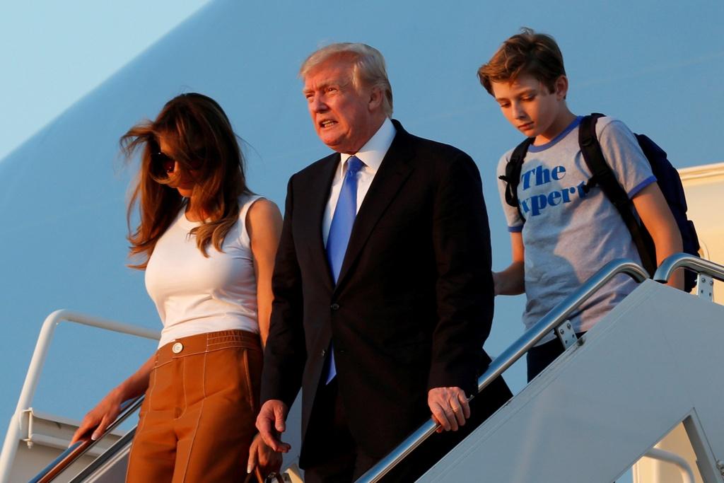 Barron Trump banh bao trong cuoc doan tu gia dinh o Nha Trang hinh anh 2