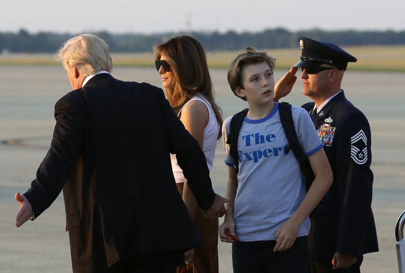 Barron Trump banh bao trong cuoc doan tu gia dinh o Nha Trang hinh anh 3
