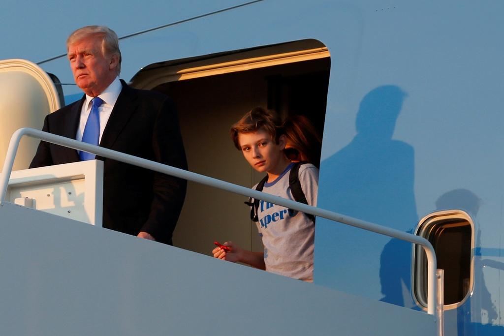 Barron Trump banh bao trong cuoc doan tu gia dinh o Nha Trang hinh anh 1