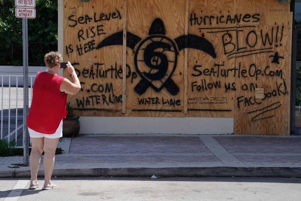 5,6 trieu nguoi phai so tan, Florida hoang vang truoc bao Irma hinh anh 3