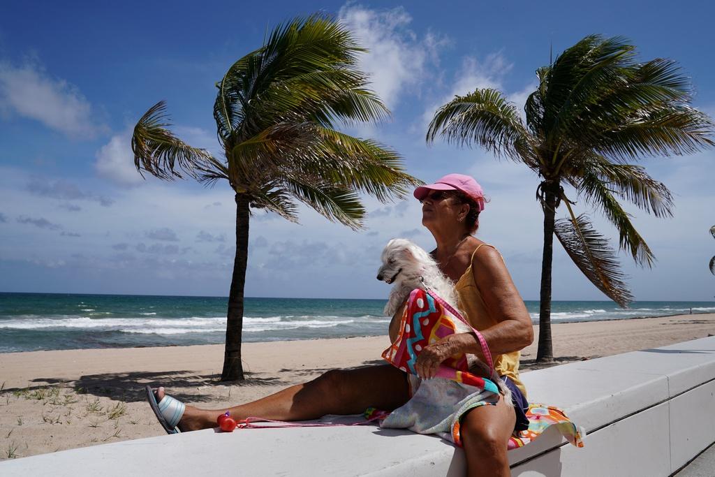5,6 trieu nguoi phai so tan, Florida hoang vang truoc bao Irma hinh anh 4