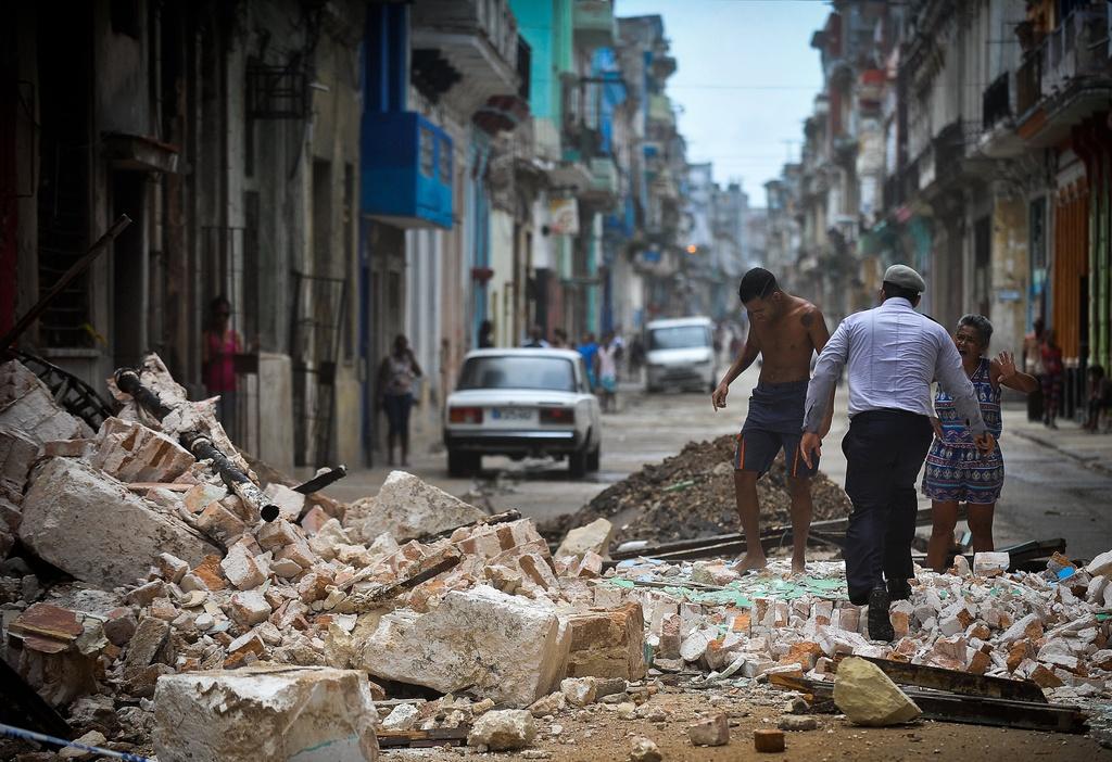Thu do cua Cuba chim trong bien nuoc sau sieu bao Irma hinh anh 9