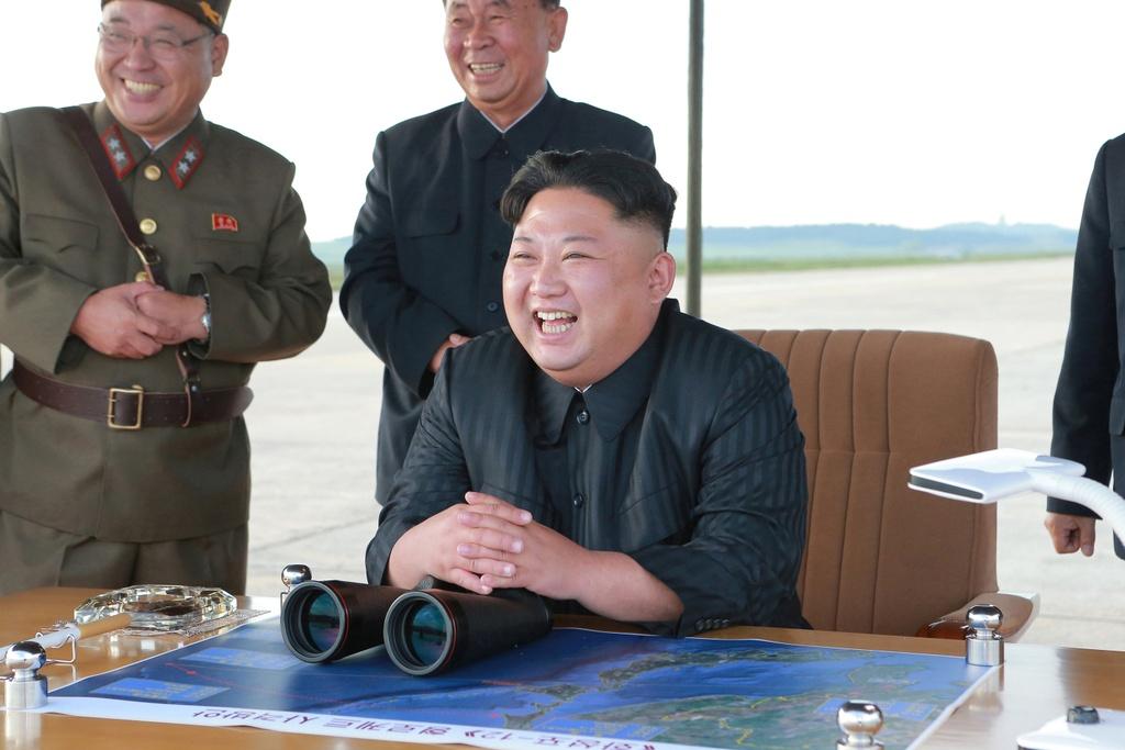 Hang nghin nguoi Trieu Tien bieu tinh chong My va TT Trump hinh anh 7