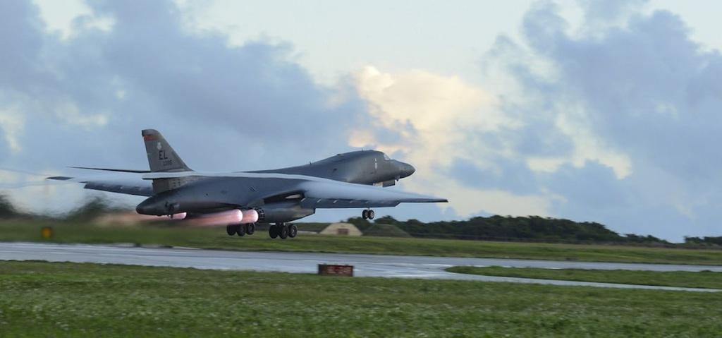 'Quai vat nem bom' B-1B Lancer cua quan doi My hinh anh 6