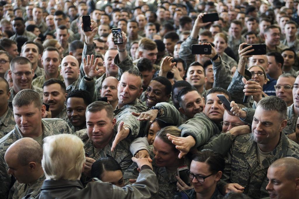 TT Trump gap Nhat hoang, cung Thu tuong Abe cho ca an hinh anh 9