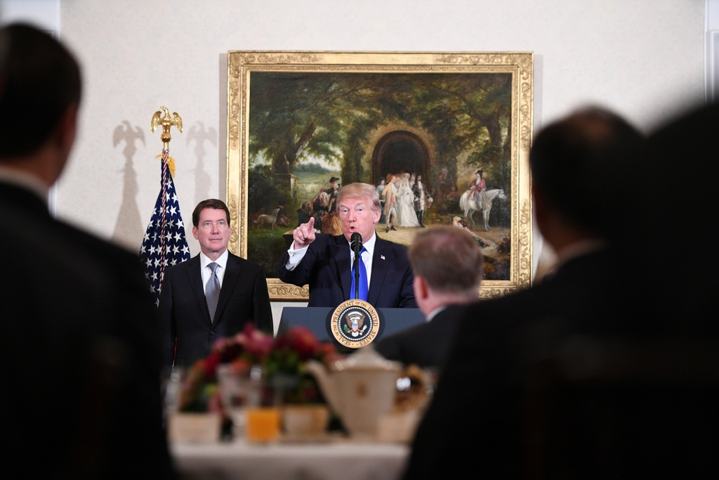 TT Trump gap Nhat hoang, cung Thu tuong Abe cho ca an hinh anh 7