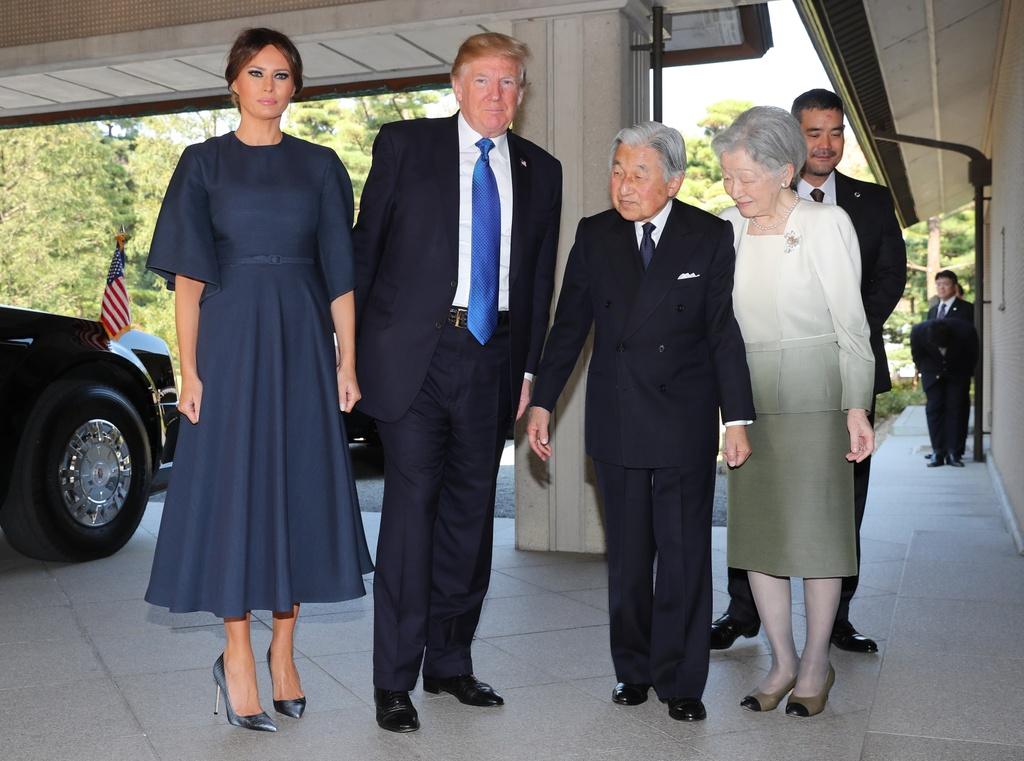 TT Trump gap Nhat hoang, cung Thu tuong Abe cho ca an hinh anh 4