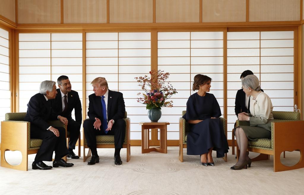 TT Trump gap Nhat hoang, cung Thu tuong Abe cho ca an hinh anh 5