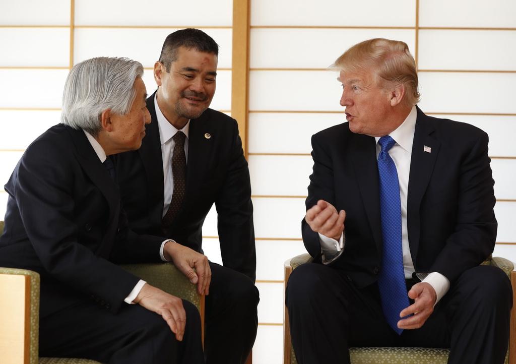 TT Trump gap Nhat hoang, cung Thu tuong Abe cho ca an hinh anh 6