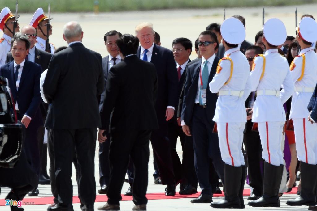Air Force One dua Tong thong Trump den Da Nang hinh anh 2