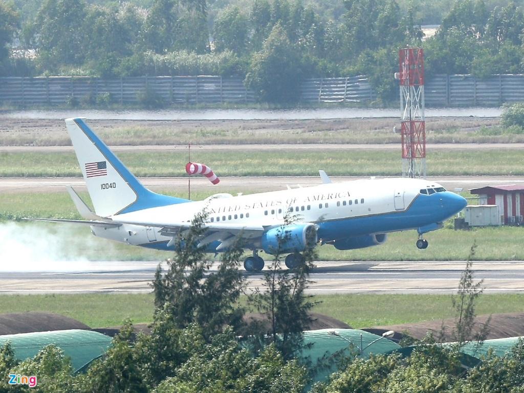 Air Force One dua Tong thong Trump den Da Nang hinh anh 23