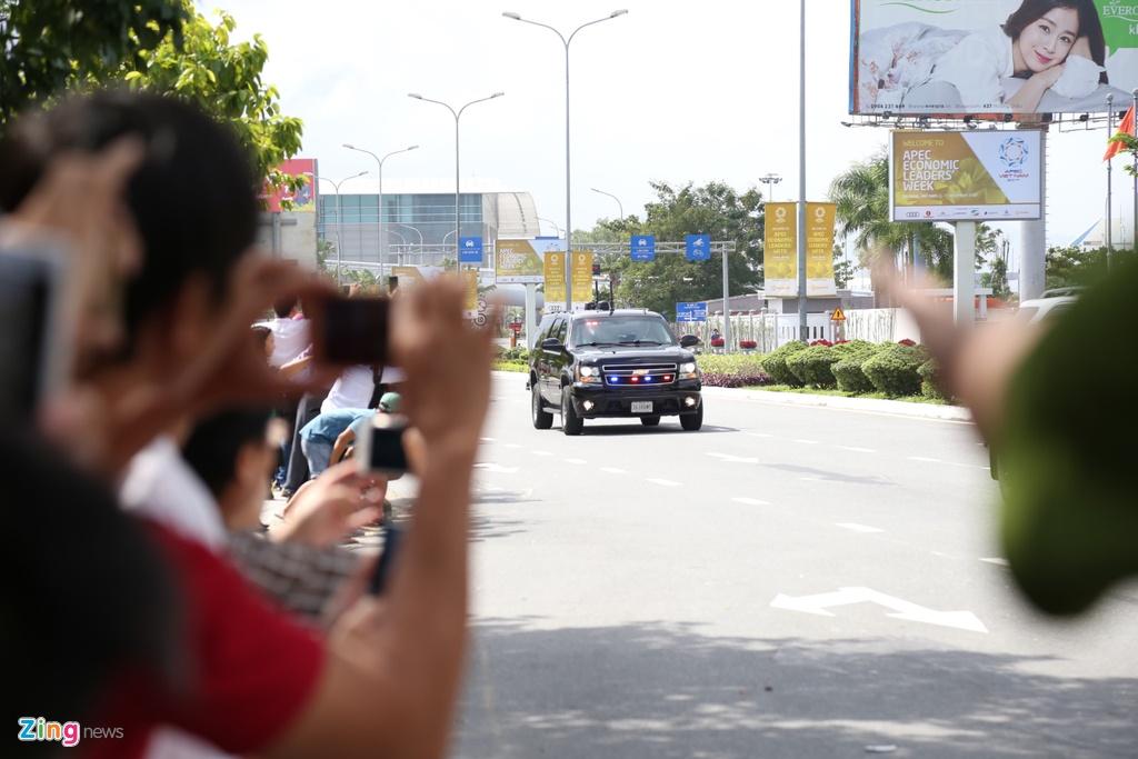 Doan xe cua Tong thong Trump tren duong pho Da Nang hinh anh 2
