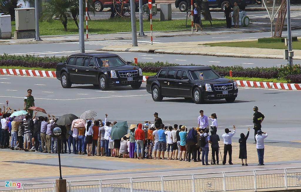 Doan xe cua Tong thong Trump tren duong pho Da Nang hinh anh 7
