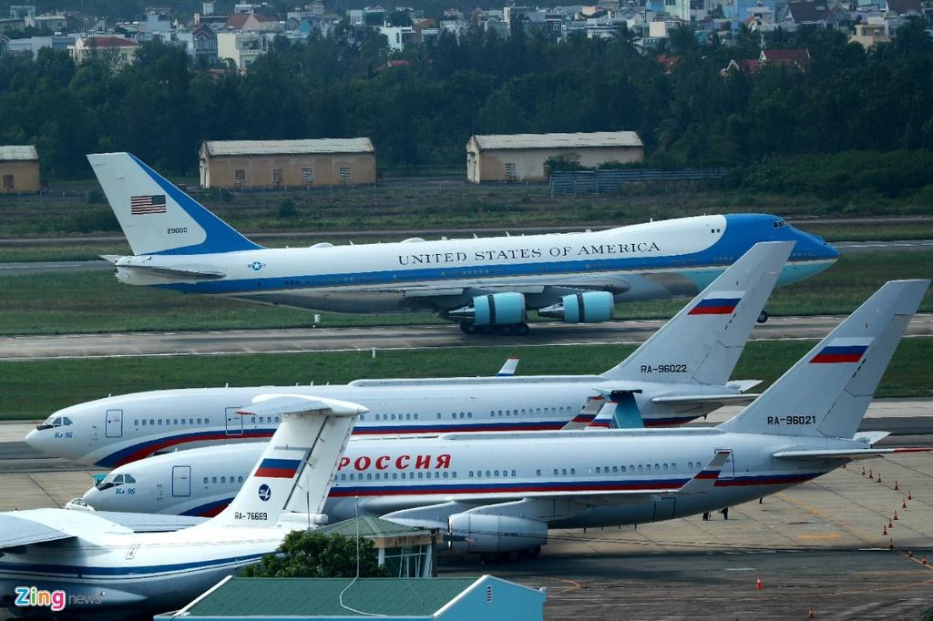 Air Force One dua Tong thong Trump den Da Nang hinh anh 20