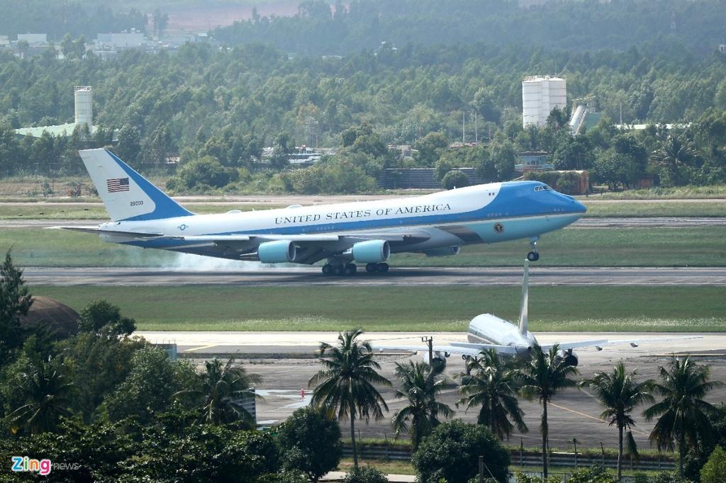 Air Force One dua Tong thong Trump den Da Nang hinh anh 18