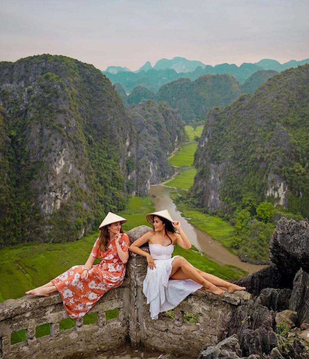 Doc mien dat nuoc kham pha canh dep Ninh Binh, Hue, Da Lat hinh anh 3