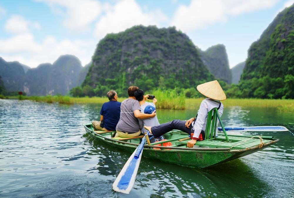 Doc mien dat nuoc kham pha canh dep Ninh Binh, Hue, Da Lat hinh anh 1