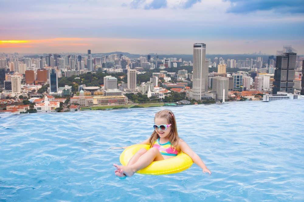 Lạc vào thế giới vô cực với những bể bơi sang chảnh nhất hành tinh - Ảnh 3