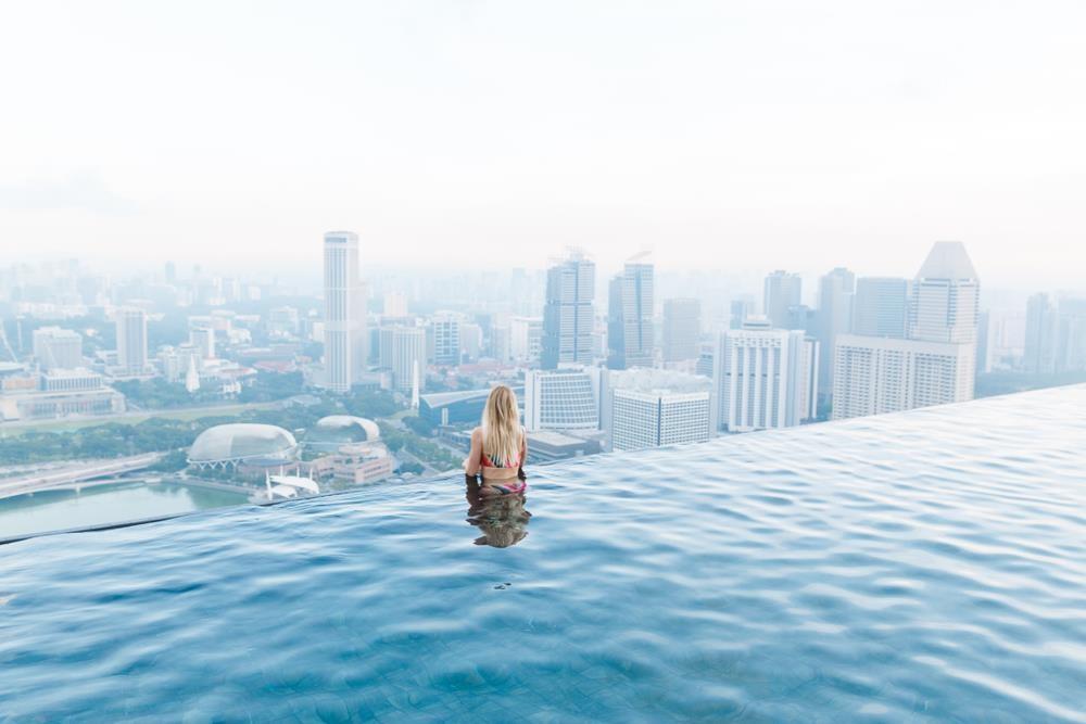 Lạc vào thế giới vô cực với những bể bơi sang chảnh nhất hành tinh - Ảnh 4