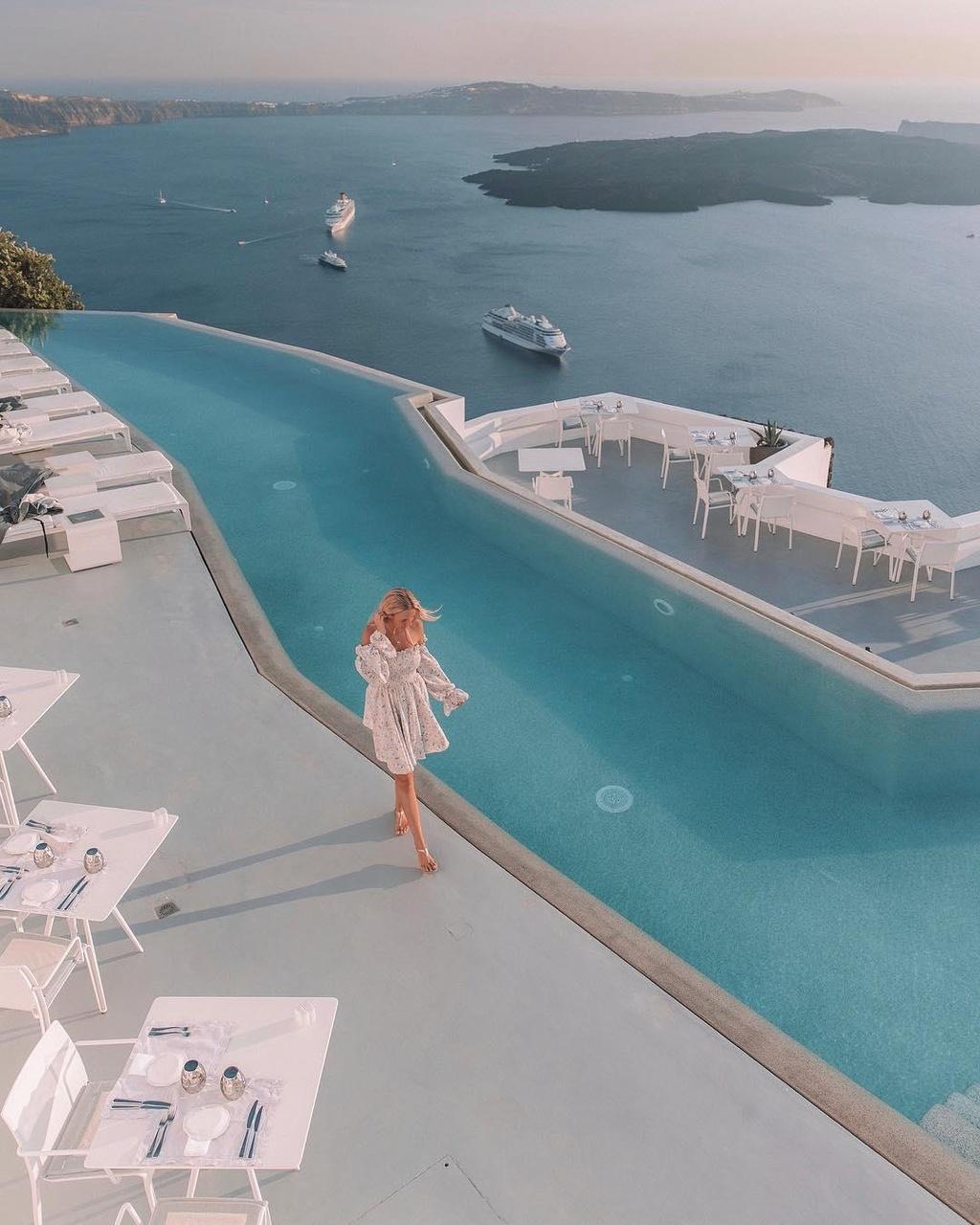 Lạc vào thế giới vô cực với những bể bơi sang chảnh nhất hành tinh - Ảnh 12