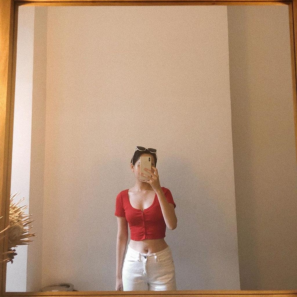 Ha Lan 'Mat biec' chuong style nang tho, Hong thich kieu truong thanh hinh anh 10 66270061_1124267891106809_6101032238558992393_n.jpg