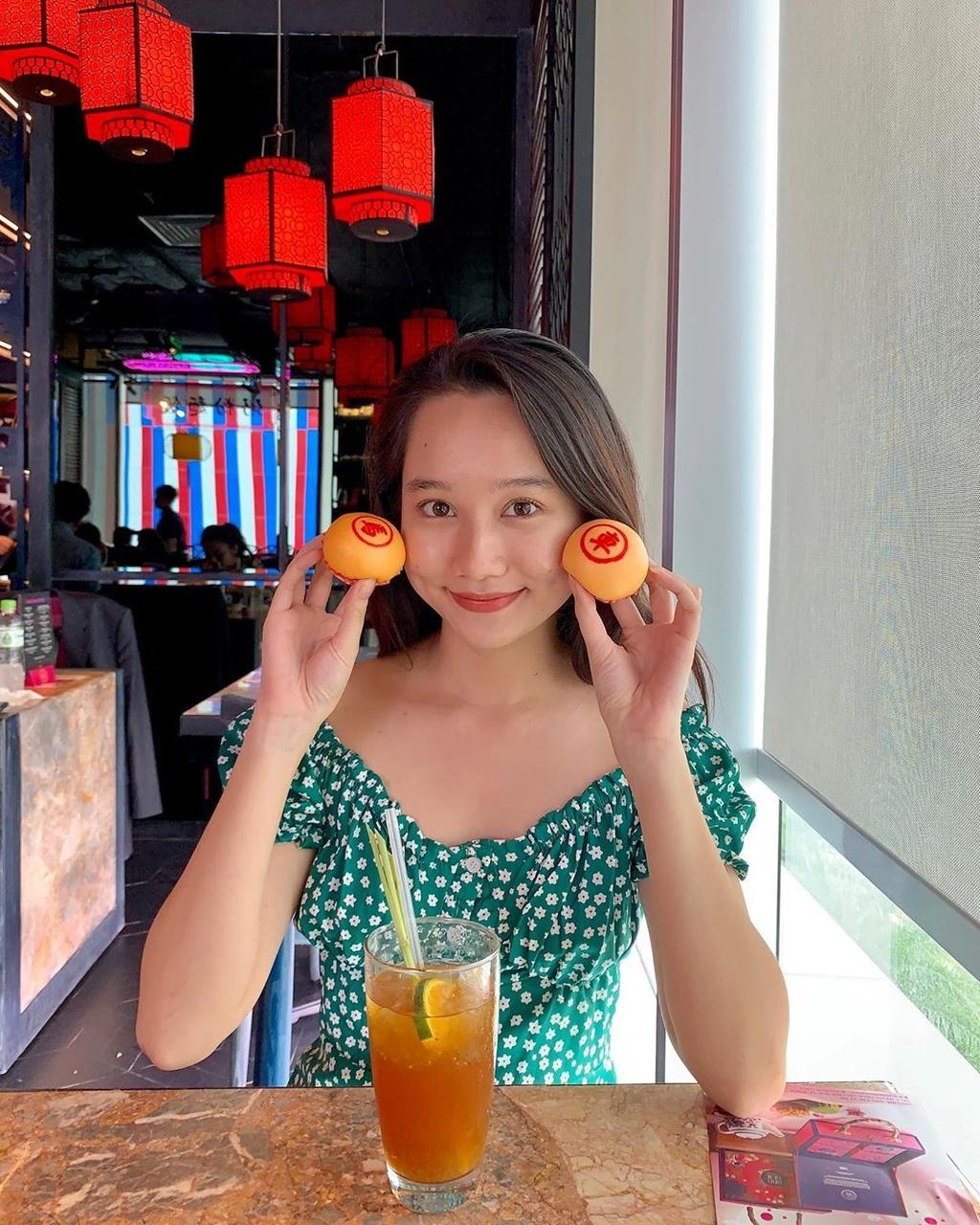 Ha Lan 'Mat biec' chuong style nang tho, Hong thich kieu truong thanh hinh anh 7 66675238_137979007439630_1855332493228653614_n.jpg