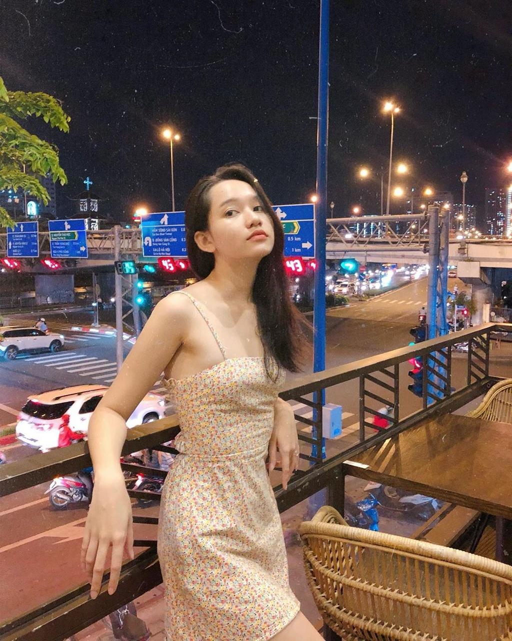 Ha Lan 'Mat biec' chuong style nang tho, Hong thich kieu truong thanh hinh anh 6 67799837_356779205267257_4892916914423160340_n.jpg