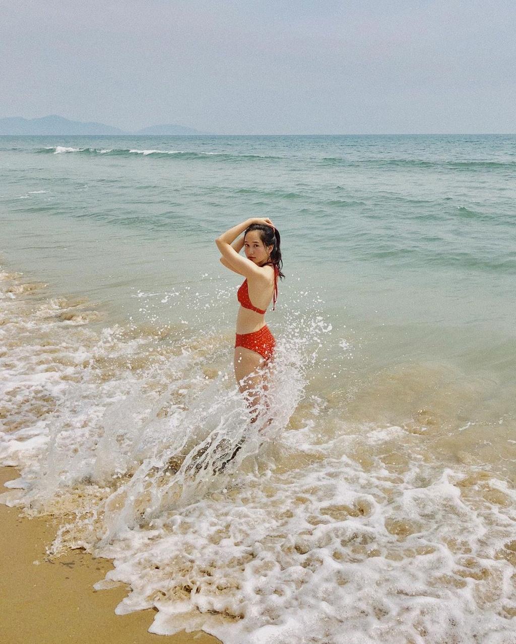 Ha Lan 'Mat biec' chuong style nang tho, Hong thich kieu truong thanh hinh anh 9 68764421_2813788728634481_328320829255447092_n.jpg