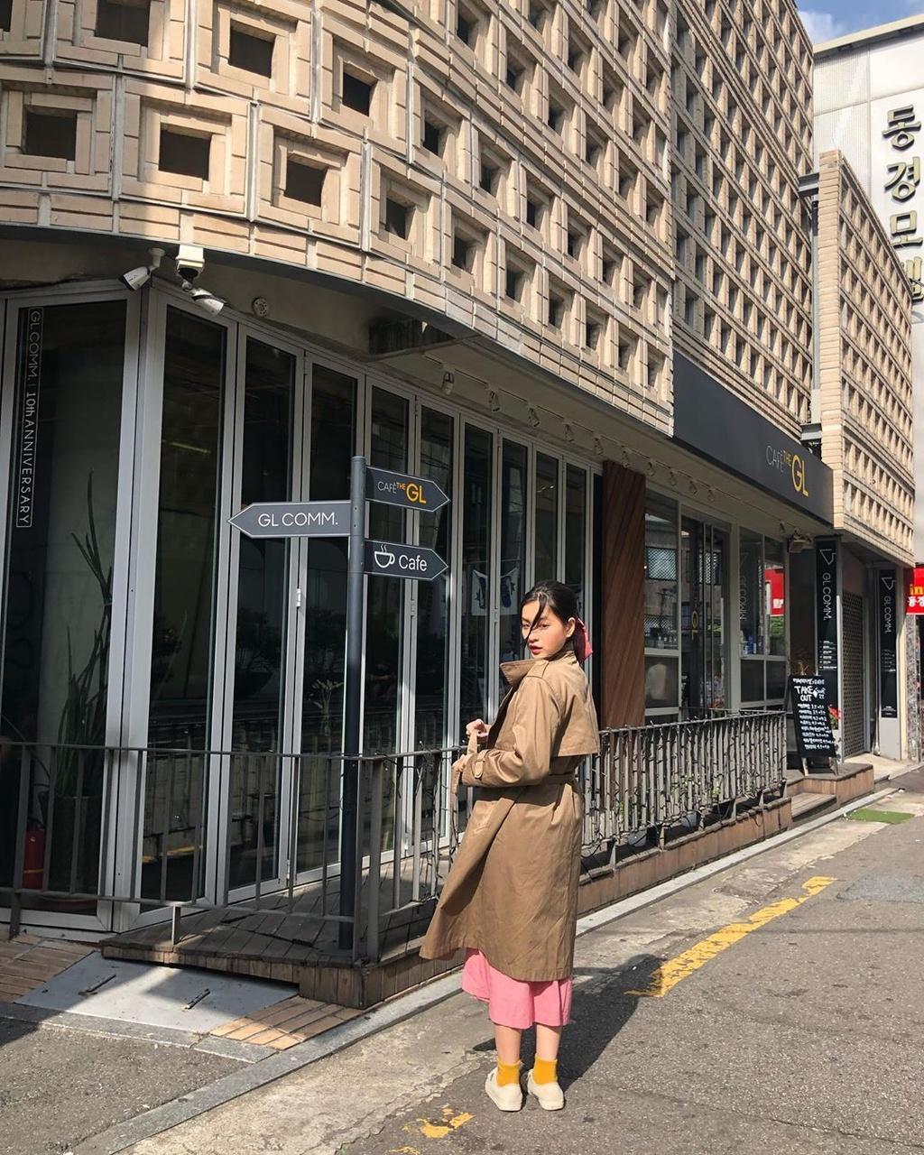 Ha Lan 'Mat biec' chuong style nang tho, Hong thich kieu truong thanh hinh anh 18 73426948_1224563541059400_9221698348606097197_n.jpg