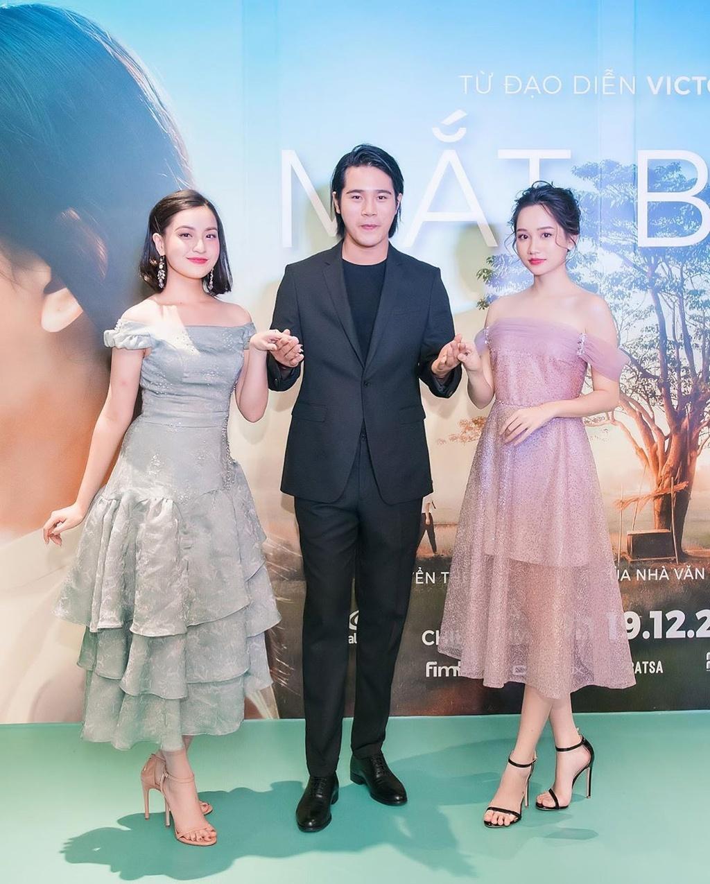 Ha Lan 'Mat biec' chuong style nang tho, Hong thich kieu truong thanh hinh anh 14 74521304_464465484449947_6214231320469450759_n.jpg