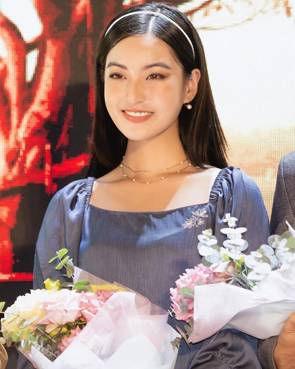 Ha Lan 'Mat biec' chuong style nang tho, Hong thich kieu truong thanh hinh anh 13 79301408_1639521749522913_3355294932882029418_n.jpg