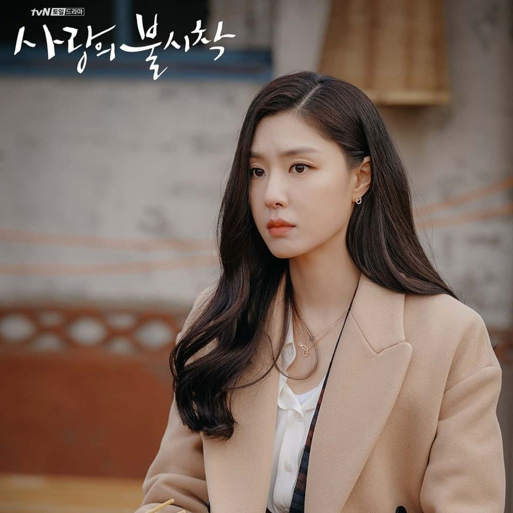 Nu phu trong phim 'Ha canh noi anh' dien toan do hieu gia nghin USD hinh anh 16 seo_15.jpg