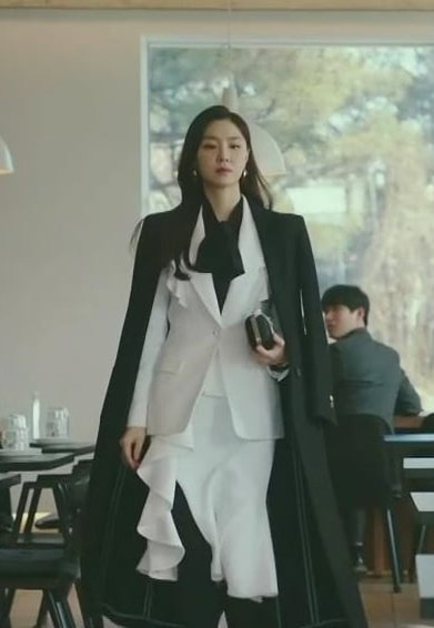 Nu phu trong phim 'Ha canh noi anh' dien toan do hieu gia nghin USD hinh anh 10 seo_19_1.jpg