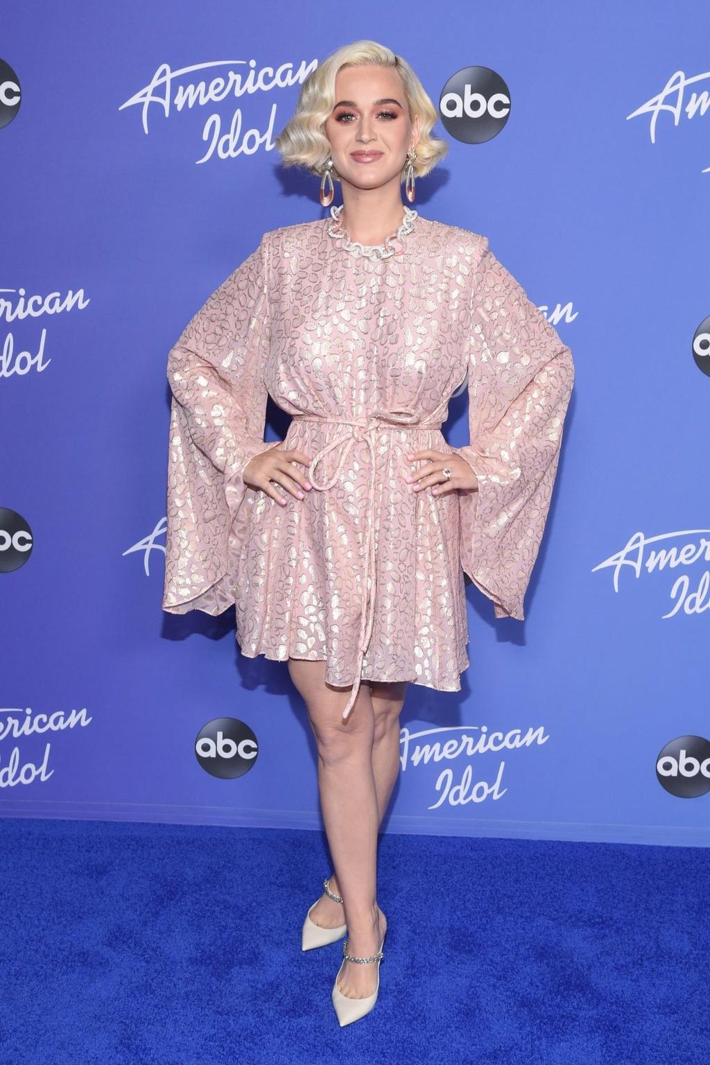 Ba bau Katy Perry da mac do the nao de che bung to? hinh anh 3 c.jpg