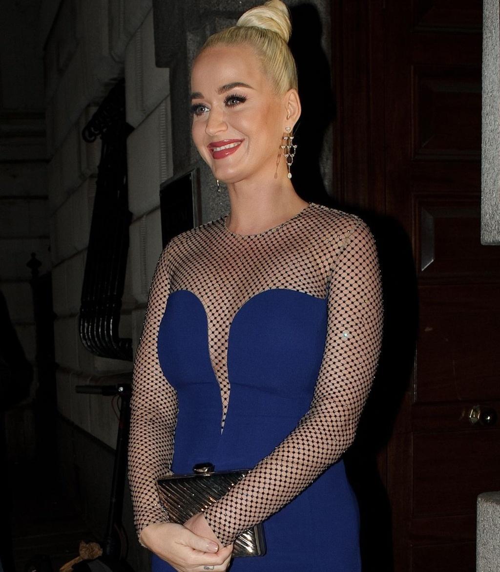 Ba bau Katy Perry da mac do the nao de che bung to? hinh anh 4 k1_1.jpg