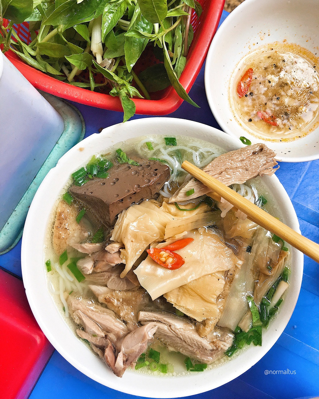 Nhung mon an khong the bo qua o ngo am thuc Trung Yen hinh anh 1
