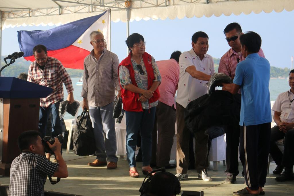 'Philippines san sang che cho ngu dan Viet gap nan' hinh anh 3